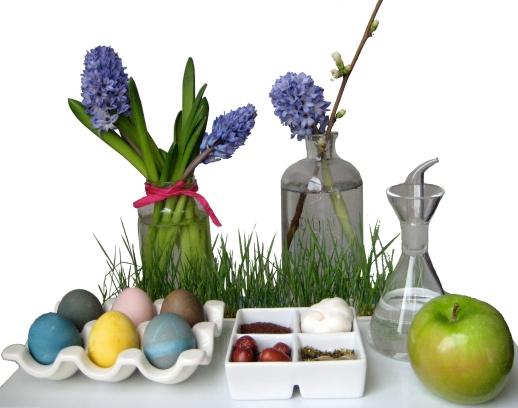 1-Persian-New-Year-Norooz-Persian-Food-Blog-Haftseen-table-hyacinth-eggs-apple-seeb