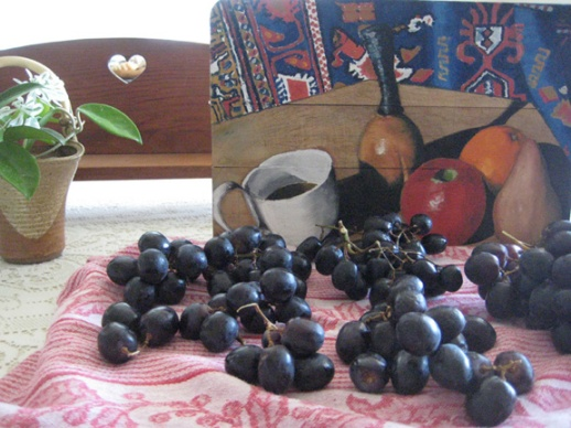 Still life: by my brother. Black grapes: by nature.