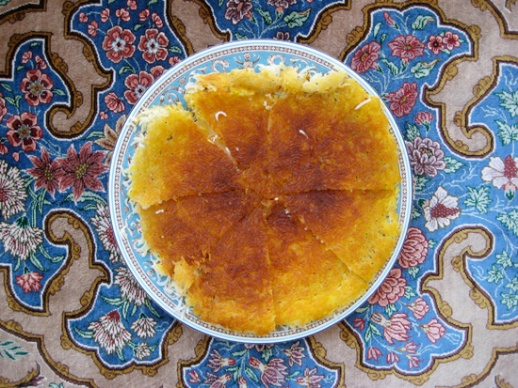 tahdig tadig crunchy bottom of pot in Persian rice making