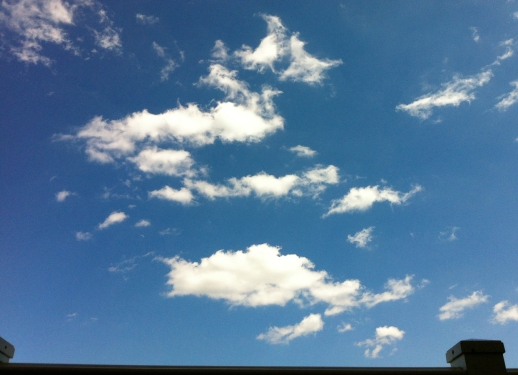 clear-blue-sky-puffy-cloud-pretty