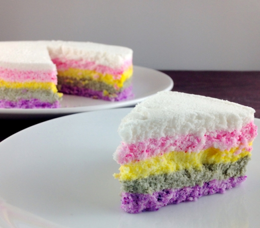 Mujigae Ddeok | Korean rainbow-colored ricecake slice cake