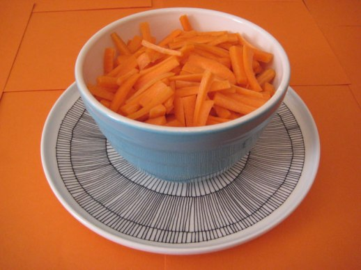 matchstick cut carrots in bowl on Mishimeko plate and orange background | @Figandquince (Persian food culture blog)