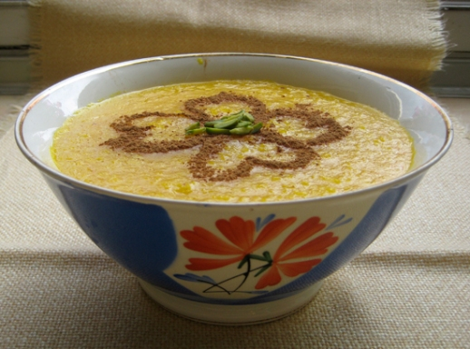Persian Saffron Rice Pudding 'sholeh zard' & ingredients: pistachio, rice, sugar, saffron, rosewater Iranian food cooking blog  شله زرد