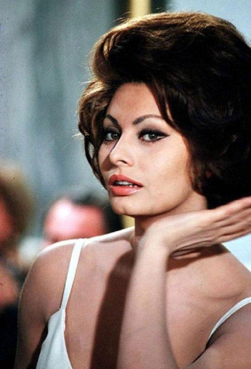 Sophia Loren young lingerie pasta quote