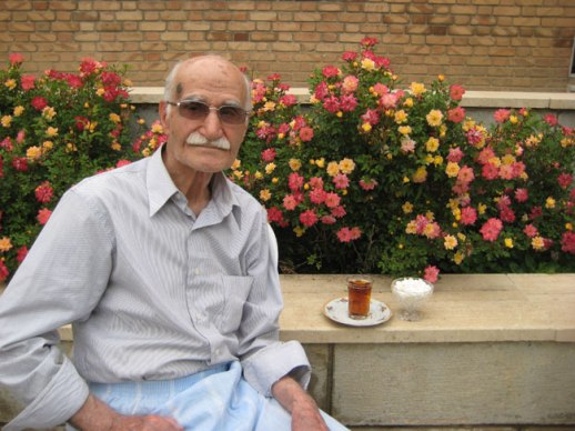 Old gentleman in garden drinking tea in Kermanshah Iran |@FigandQuince (Persian food culture blog)