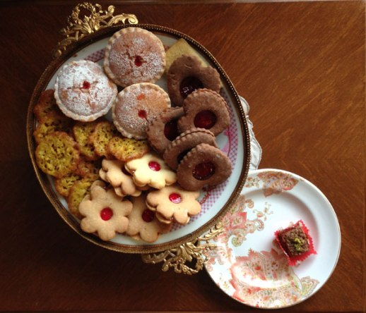 Persian shirini (cookies)