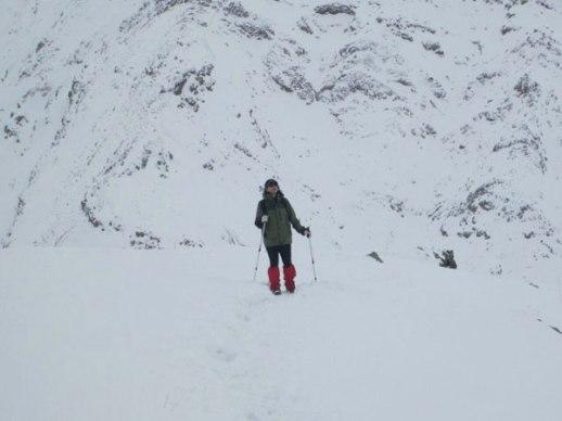 woman mountain climb snow Tehran Iran